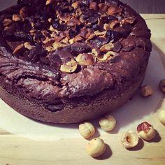 Autumn is back. Chocolate and hazelnuts cake.