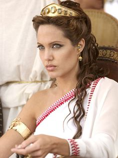 Google Image Result for http://highbridnation.com/wordpress/wp-content/uploads/2010/06/angelina_jolie_cleopatra.jpg