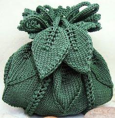 Bee-u-ti-ful knit handbag!