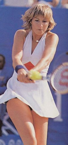 """""""She gave back to the sport more than she took out of it. It wasn't a requirement but she made it one. Wta Tennis, Sport Tennis, Tennis Shop, Maria Sharapova Hot, Blush Lingerie, Tennis Pictures, Tennis Legends, Tennis World, Tennis Players Female"""