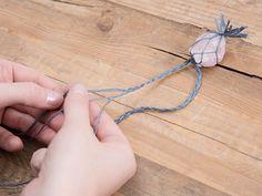 tutorial DIY: Faça um colar de quartzo rosa Macrame via DaWanda.com