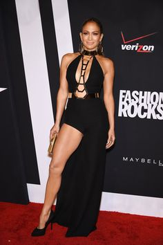 Jennifer Lopez in Versace at the Fashion Rocks event. (Photo: Getty Images)