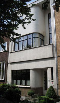 https://flic.kr/p/9ENWHs | Modernist townhouse | built in 1937 by Victor Duyckers. in Laeken (Brussels)