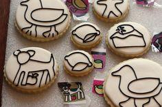 cookie outlines using a Kopykake projector