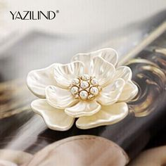 2016 New Fashion Jewelry Vintage Style Bouquet Flower Brooch Pin for Women Wedding Bridal