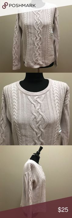 Cream Cable Knit Sweater NWT New with tags cream cable knit sweater. Old Navy Sweaters Crew & Scoop Necks