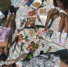 Summer Aesthetic, Aesthetic Vintage, Aesthetic Photo, Aesthetic Pictures, Aesthetic Food, Summer Dream, Summer Girls, Summer Time, Summer Days