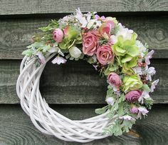 Wreaths And Garlands, Door Wreaths, Diy Wreath, Wreath Ideas, Mothers Day Wreath, Easter Wreaths, Summer Wreath, Spring Crafts, Rustic Farmhouse