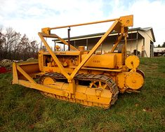 Caterpillar revived the name in 1967 with the introduction of two models, a direct drive and a power shift, available in either or gauges. Track Roller, Construction Machines, Old Tractors, Manual Transmission, Heavy Equipment, Caterpillar, Lego, Truck, Iron