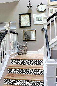 Entry Staircase Makeover Before and Afters. Black and white railings, Hickory wood steps stairs Hickory Wood Floors, Hardwood Floors, Pine Floors, Hardwood Stairs, Wood Flooring, Stairway Gallery Wall, Gallery Walls, Stairwell Wall, Basement Stairs
