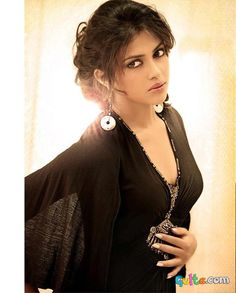 Amala Paul Super Hot Shoot for JFW Magazine Never Seen Before Pics n Vids (glamour) Tamil Actress Photos, Indian Film Actress, South Indian Actress, Indian Actresses, Indian Photoshoot, Photoshoot Images, Bikini Images, Bikini Pictures, Beautiful Bollywood Actress