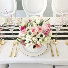 Garden roses, anemones, and more @FashionableHostess