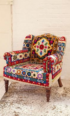 Bohemian Decor Styles To Inspiration For Your New Home Decoration Funky Furniture, Painted Furniture, Furniture Design, Furniture Ideas, Furniture Styles, Chair Design, Funky Home Decor, Moroccan Decor, Moroccan Style