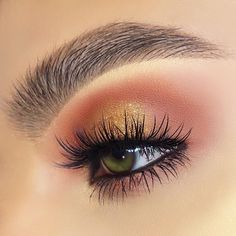 That sweet satisfaction of the perfect blend ✨  @laviedunprince wearing our #AlluraLiteLashes   #houseoflashes #lashes #lashgamestrong #lashfocus #browfocus #motd #makeuplooks #crueltyfree