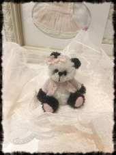 Artist Bears and Handmade Teddy Bears - Bear Pile Australian Artists, Teddy Bears, Handmade, Hand Made, Handarbeit