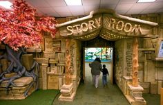 What a perfect entryway for a children's reading room!!
