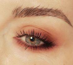 Mastering the Dewy Makeup Look