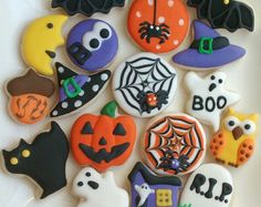 Halloween sugar cookies mini or large decorated with royal icing ,Halloween, fall,Thanksgiving day c Halloween Cookies Decorated, Halloween Sugar Cookies, Halloween Cupcakes, Halloween Treats, Halloween Decorations, Halloween Biscuits, Recetas Halloween, Casa Halloween, Holidays Halloween