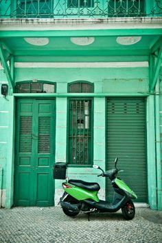 Stuff the scooter, love the door