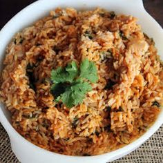 This Mexican rice recipe is so easy and classic. Another recipe passed down from generation to generation. Mexican Kitchens, Mexican Cooking, Mexican Seasoning, Mexican Rice Recipes, Cooking Ingredients, Fresh Garlic, Recipe Box, Vegan Gluten Free, Rice