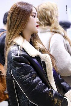 Kpop Girl Groups, Korean Girl Groups, Kpop Girls, Euna Kim, Kim Min Hee, Soyeon, Fandoms, Korean Aesthetic, Entertainment