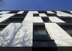 Edificio Residencial en la Calle Vase Stajića / Kuzmanov and Partners