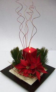 334 Best navidad images in 2020 Christmas Flower Arrangements, Christmas Flowers, Christmas Table Decorations, Noel Christmas, Christmas Candles, Christmas Wreaths, Classy Christmas, Poinsettia Flower, Beautiful Christmas