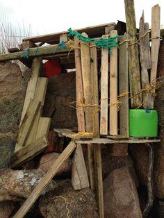 Drift wood hide out