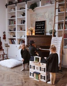 Built ins around piano. Love this by White Shanty Design!-Built ins around piano. Love this by White Shanty Design! Built ins around piano. Love this by White Shanty Design! Piano Living Rooms, Formal Living Rooms, Home Living Room, Piano Room Decor, Home Library Rooms, Decor Scandinavian, Built In Bookcase, Bookcases, Piece A Vivre