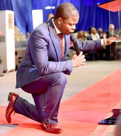 #Major1 prays for all ~ In the month of December, I see the Lord creating new opportunities for you. You will testify that God is a way maker God!  #ProphetShepherdBushiri