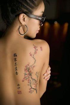 De Vrouwelijke Tatoeage stijgt in populariteit The Female Tattoo is increasing in popularity # … Back Of Shoulder Tattoo, Shoulder Tattoos For Women, Back Tattoo Women, Feminine Shoulder Tattoos, Feminine Back Tattoos, Ta Moko Tattoo, Tattoo Bein, Tattoo On Hip, Back Of Forearm Tattoo