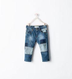 Discover the new ZARA collection online. Kids Pants, Boys Jeans, Denim Fashion, Boy Fashion, Stylish Little Boys, Biker Baby, Zara Boys, Patched Jeans, Baby Kids Clothes