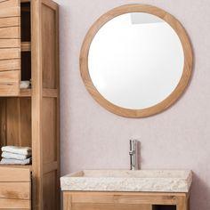 Complétez la décoration de votre salle de bain avec le miroir Hublot.   Ce miroir rond avec cadre en bois massif teck apporte à votre salle d'eau une ambiance naturelle et authentique. Vous serez charmé par la simplicité de cet accessoire déco qui s'intégrera parfaitement dans votre espace bain. Facile d'installation, il s'associera idéalement au meuble de salle de bain en teck Cosy. Diamètre : 68 cm Epaisseur : 3 cm