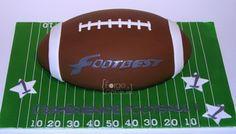 Football cake - La Forge à Gâteaux #FootballCake www.laforgeagateaux.com