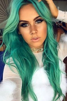 Top quality blond hair could be easily dyed and bleached to the stunning green, would you like? Turquoise Hair, Teal Hair, Green Hair, Violet Hair, White Hair, Dip Dye Hair, Dye My Hair, Gorgeous Hair Color, Cool Hair Color