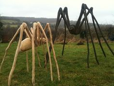 chainsaw carving spiders