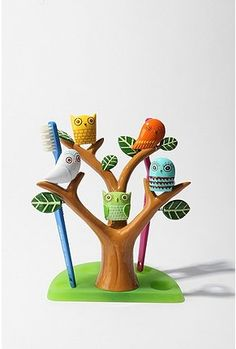 Owl Tree Toothbrush Holder from Urban outfitters. Dac Diy, Owl Tree, Owl Always Love You, Gadgets, Cute Owl, Decoration, Little Ones, Kids Room, Crafty