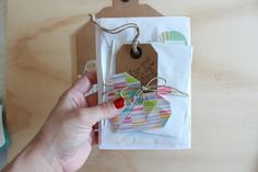 Little Hannah: Tutorial: un sobre kraft decorado con retales