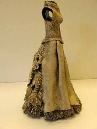 Afbeeldingsresultaat voor keramiek beelden Dress Form, Pottery, Costumes, Formal Dresses, Inspiration, Clay, Google, Art, Ideas