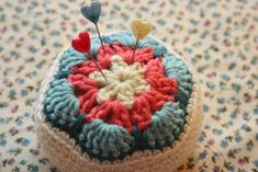 These beautiful crochet African Flower pincushions are very handy around the home and they make an excellent homemade gift which you can whip up quickly. This pincushion shows off a lovely crochet flower.