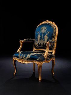 Detailabbildung: Bedeutendes Paar Louis XV-Fauteuils von Philippe-Josephe Pluvinet
