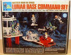"Mattel ""Major Matt Mason"" playsets (pictured here is the Lunar Base Command Center) Vintage Toys 1960s, 1960s Toys, Vintage Games, Retro Toys, 1970s, Gi Joe, Childhood Toys, Childhood Memories, Baby Boomer Era"