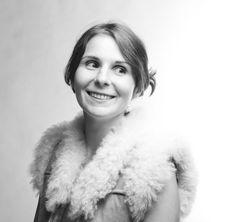 """Ein Buch wie ein Schlagabtausch: Irina Teodorescu erzählt in """"Der Fluch des schnauzbärtigen Banditen"""" eine aberwitzige Familiensaga. Zu Recht gilt sie als große Hoffnung der französischen Literatur."""