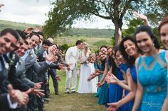 Fotos divertidas com os padrinhos! Casamento Jéssika e Eduardo. #casamento #madrinhas #padrinhos #noiva #noivo  #fotosdivertidas #fotododia #wedding #bride #groom #noivinhasdeluxo