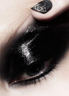 Love this black glossy  eye