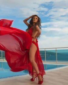 Ana Sević posle duže muzičke pauze vratila se na scenu spotom za novi singl Lambordžini, koji je već prema prvim komentarima osvojio srca publike.
