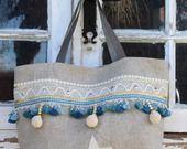 Sac toile lin brut,dentelle, écrue,  étoile en cuir beige, croquet et galon doré, galon pompon bleu, pompons