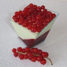 Rybízový dezert s bílou čokoládou Mousse, Panna Cotta, Cheesecake, Pudding, Cakes, Ethnic Recipes, Deserts, Dulce De Leche, Cake Makers