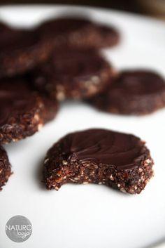 świąteczne ciastka czekoladowe bez pieczenia   http://naturologia.com.pl