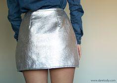 Dare to DIY: Tutorial DIY: Cómo hacer una wrap skirt Diy Fashion, Ideias Fashion, Fashion Outfits, Womens Fashion, Diy Clothes, Diy Tutorial, High Waisted Skirt, Mini Skirts, Pattern